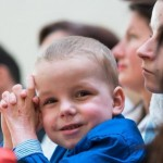 Po meningokokinės infekcijos kūdikis gyvenimą pradėjo nuo nulio: įvyko stebuklas