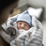 Vaiko gimimas suteikia tėvams du metus laimės